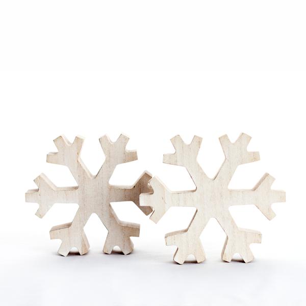 Flocon de neige en bois chic-chalet