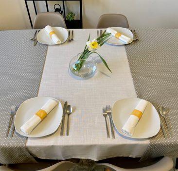 Decoration-table-printemps-jaune