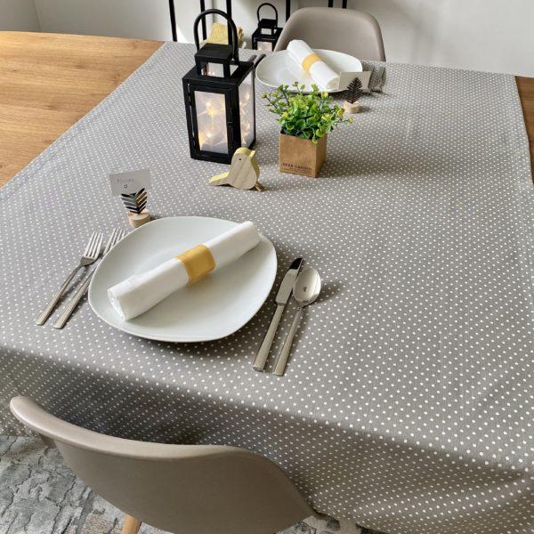 Fête-Des-meres-decoration-table-nappe-35setdeco