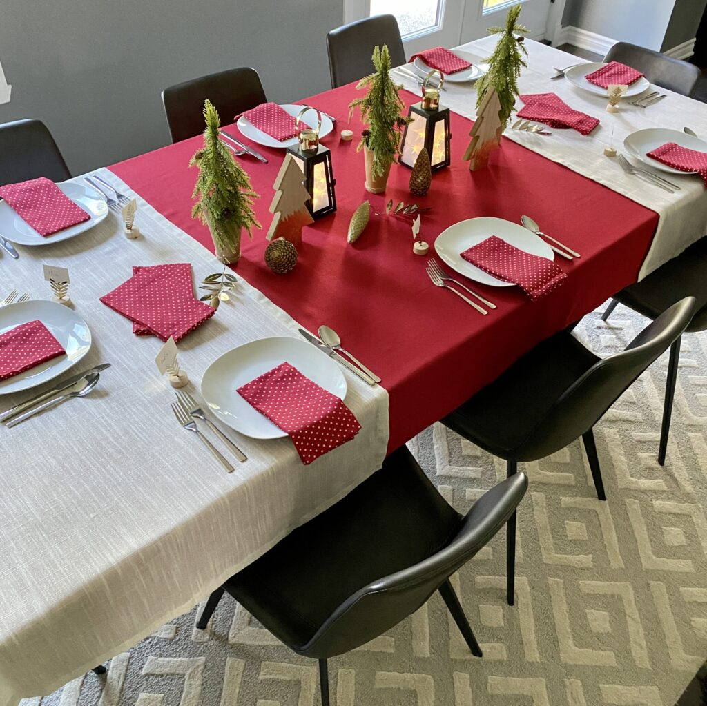 Pure Gold / Decorative table set for 6-6 (red accent)