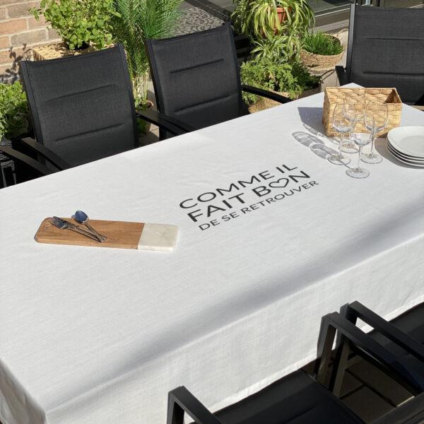 nappe-blanche-message-imprime-white-tablecloth-printed-message-35set-deco